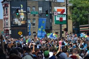 Crowded_Street